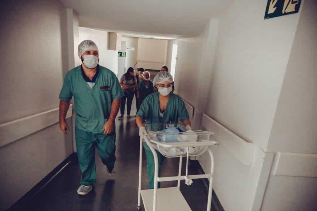 criza de asistenti medicali in Germania